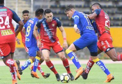 Con doblete de Riveros, Delfín saca un empate (3-3) en el Atahualpa ante El Nacional